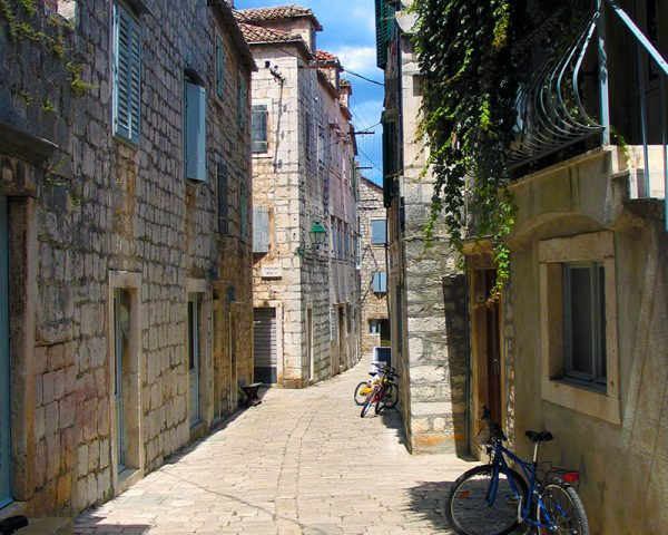 Stari Grad narrow street