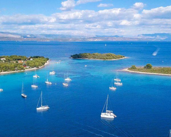 view-on-drvenik-and-krknjasi-islands-blue-lagoon-croatia
