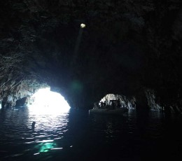 BeamoflightinGreenCaveCroatia