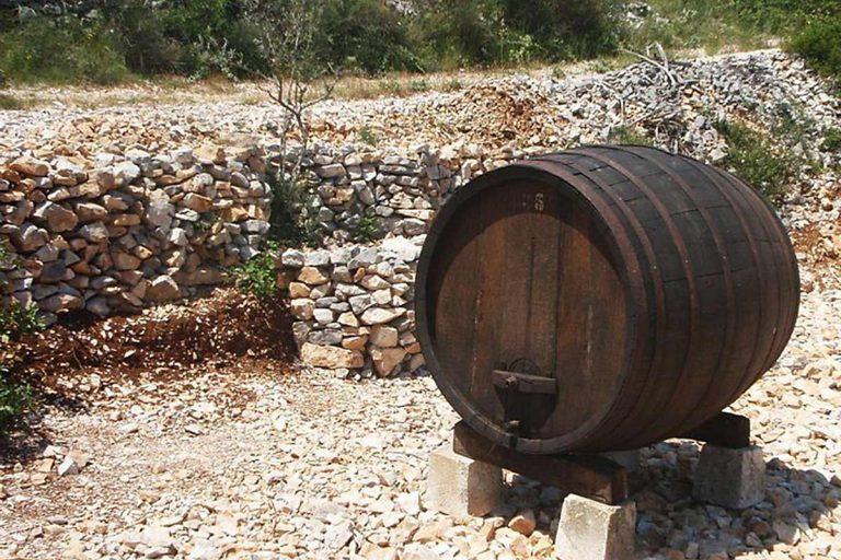 Wine Barrel, island Brac