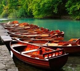 BoatsmooredonpierinPlitvicePark