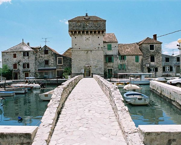 Kastel Gomilica – Kastilac Bridge – Wine Tour from Split
