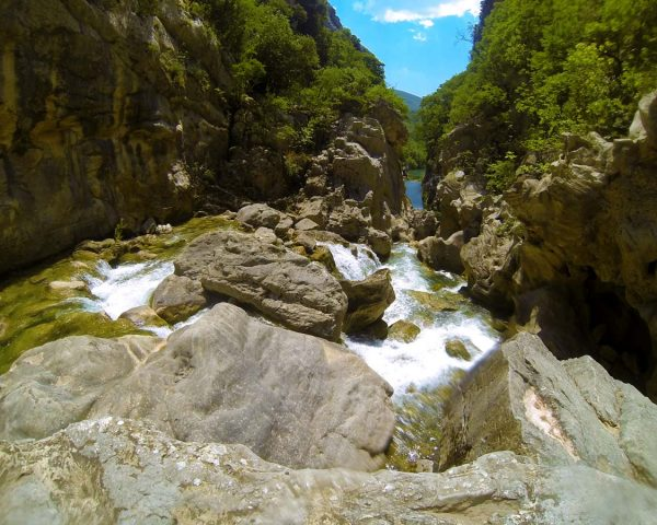 canyontourofcetina-followthestream