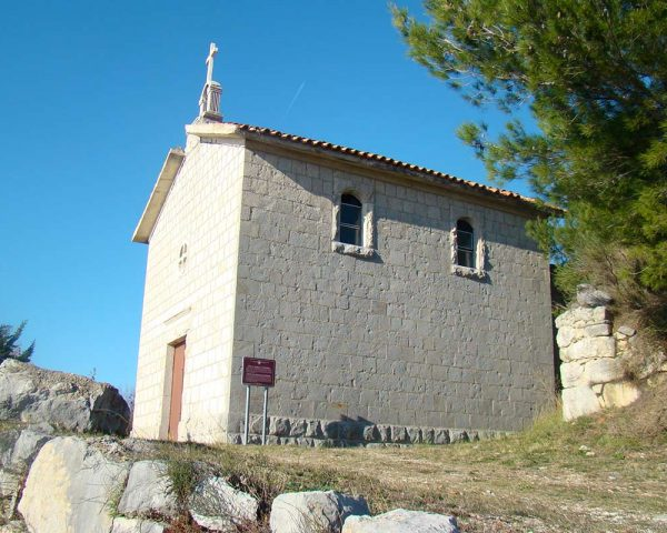 PodstranaHikingTour-church-hill