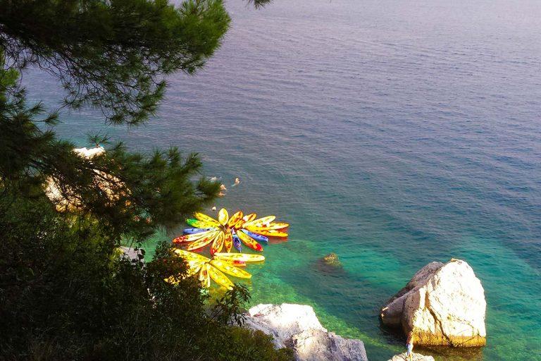 SeaKayakingTourSplit-swimminghiddenbeach