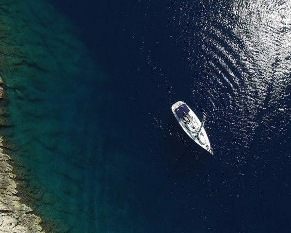 aerialview-sailingboat-sailingtourfromsplit