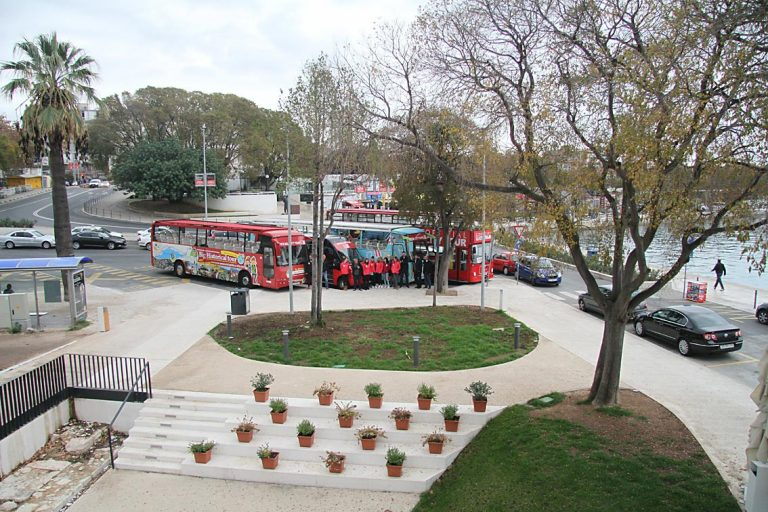 Bus tour Split, Klis, Salona and Trogir. Hop on Hopp off bus tour