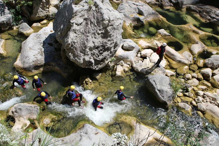 Finding a way through Cetina canyon