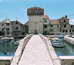 Kastel Gomilica - Kastilac Bridge - Wine Tour from Split