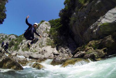 jump into Cetina stream