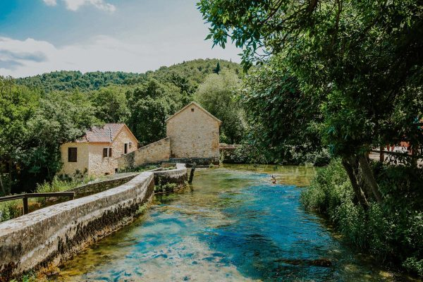 arriving to Krka waterfmill