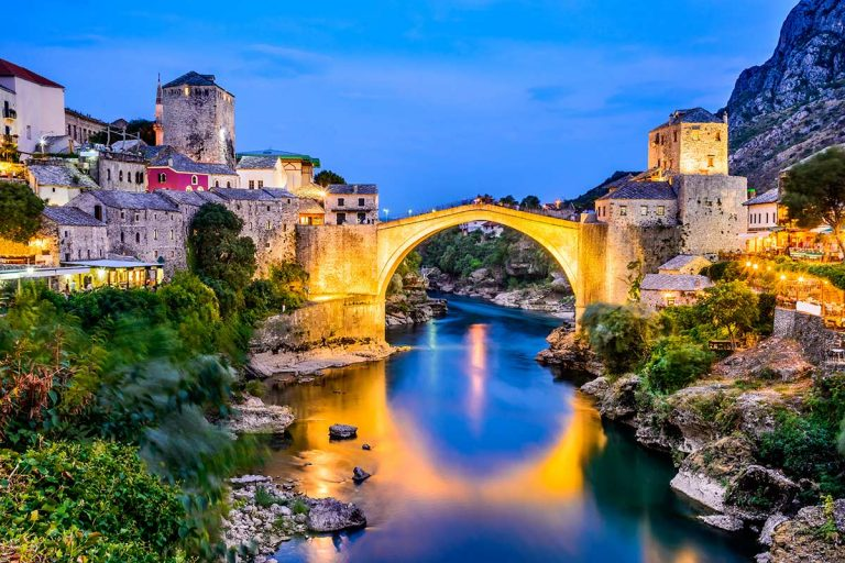 famous-old-bridge-in-mostar