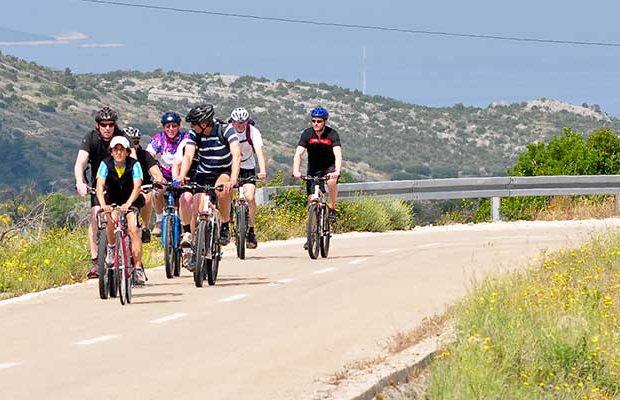 biketourhvarisland