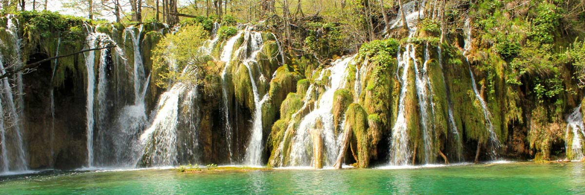 Plitvice lakes with falls, photo from group tour