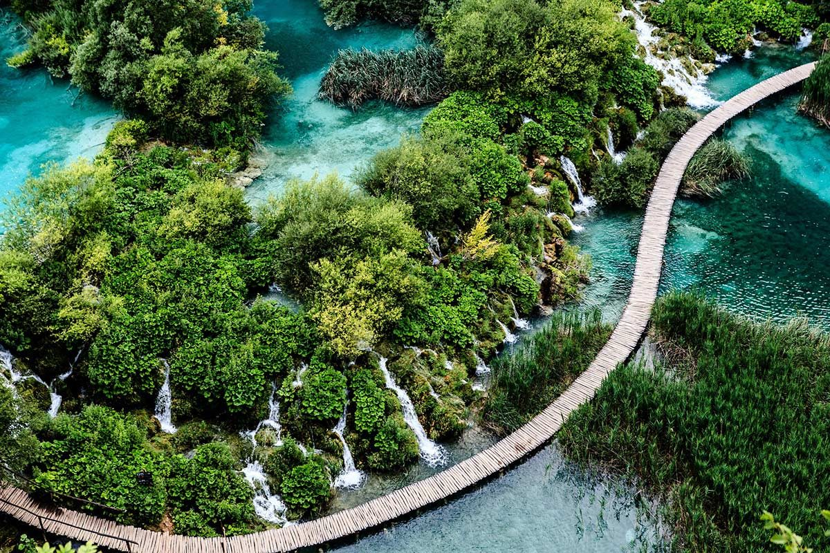 Wooden trail over interconnecting lakes of Plitvice NP