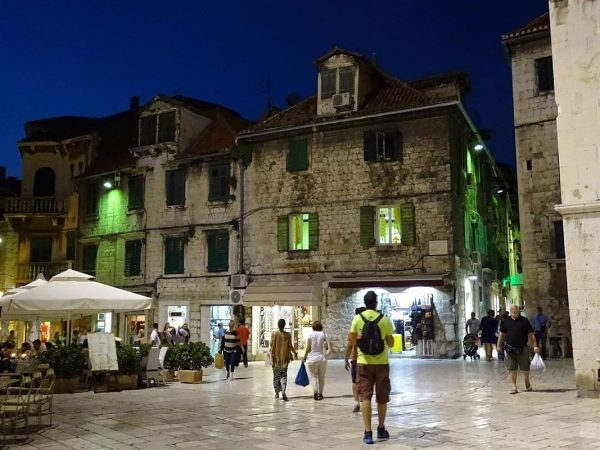 Fruit Sqare in Split, at night