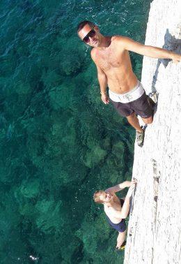 CliffJumping-climbtothetop