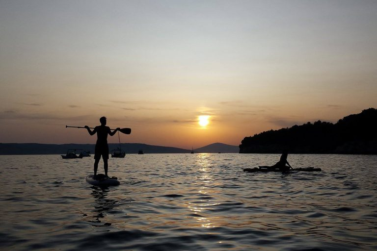 EnjoytheSunsetPaddle-StandUpPaddleTour