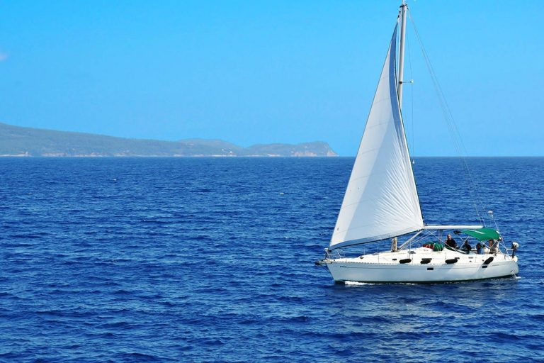 sailingbythenearbyislands-sailingfromsplit