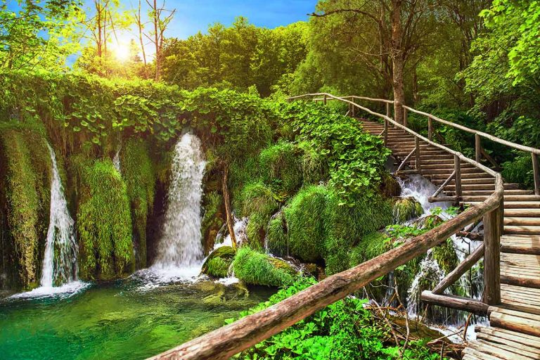 trail-through-beauiful-nature-of-plitvice-national-park