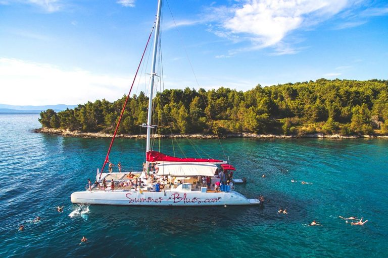 Central-Dalmatia-islands-Sailing-tour-catamaran-day-trip